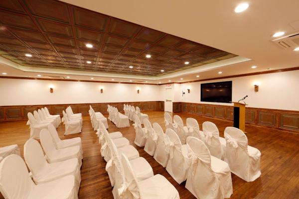 Green-room-auditorium-3